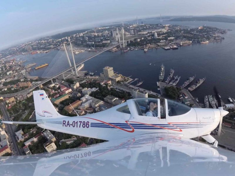 Полёт на самолёте над Владивостоком